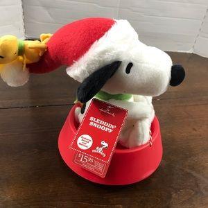 Sleddin Snoopy Hallmark Figure Peanuts Christmas